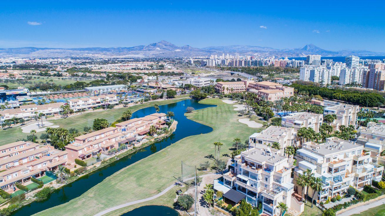 Alicante-golf-playa-de-San-Juan-operadora-de-drones