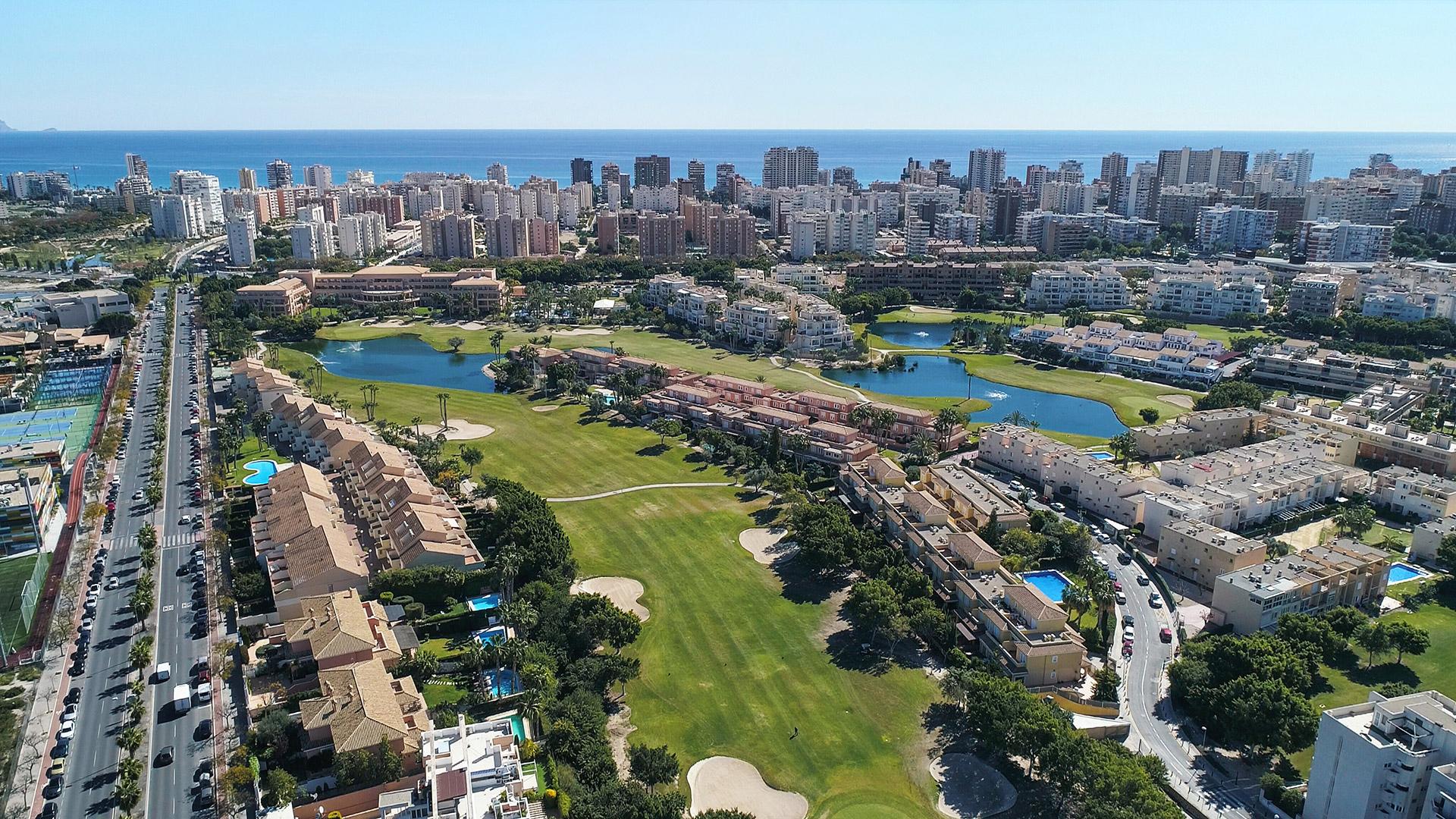 Fotografía-con-drones-Alicante-Golf-Dronesarte